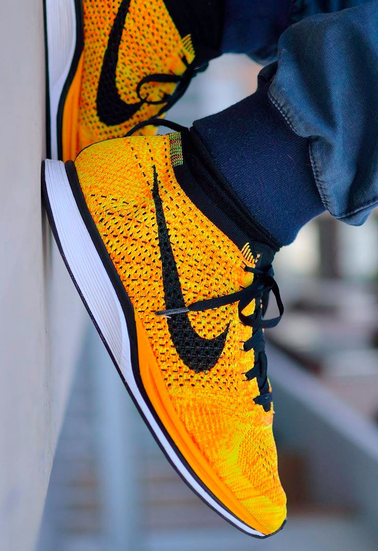 Nike Flyknit Racer: Yellow/Black #Sneakers #Zapatillas