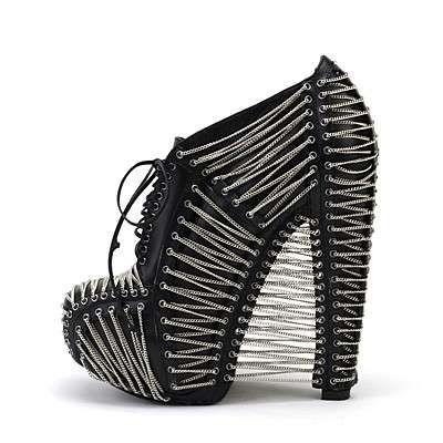 shoes from Iris van Herpen  - pinned by RokStarroad.com ~ unleash your inner RokStar - fashion, pop and mental health