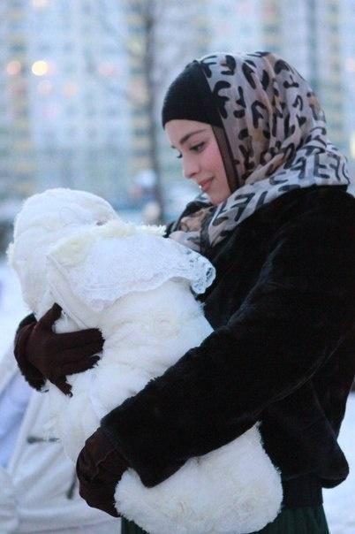 Beautiful Muslim mum <3