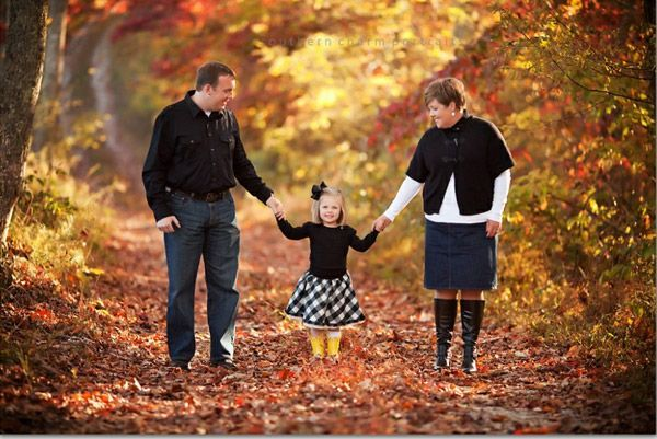 11 best images about family photo poses on pinterest for Family of four photo ideas