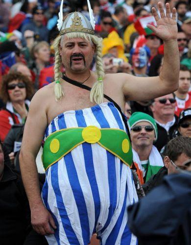 Fã do País de Gales se fantasia de Obelix antes da partida contra Samoa no mundial de Rúgbi da Nova Zelândia-2011