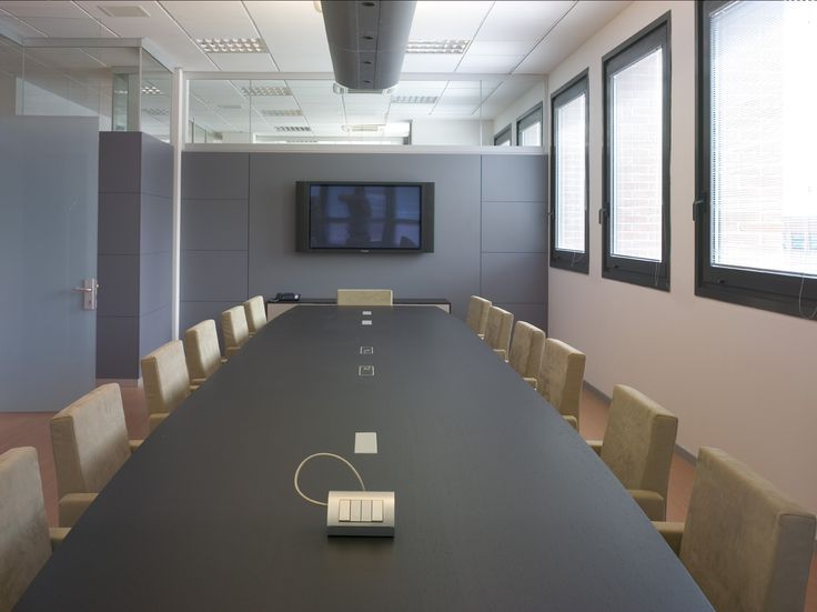 Meeting table directional line