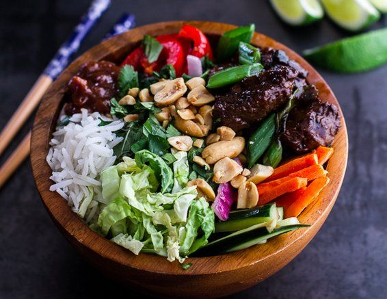 17 Yummy Lunch Bowl Recipes | Vietnamese Shaken Beef Bowl