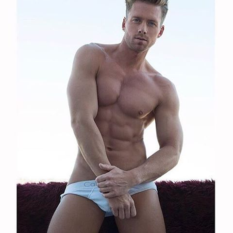 🌟 HOTHUNK AMERICA 🌟 ▶  Sexy Hunk - Steven @theonlysteven  Photo by @darrentieste  #Hothunk #hothunkamerica #america #hotmodel #model #hotboy #sixpack #sexy #american #topless #malemodel #fitfam