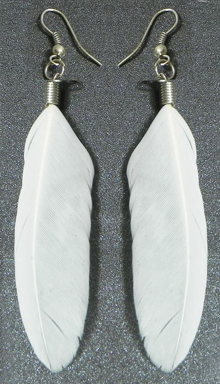 White Feather Earrings (Feather))