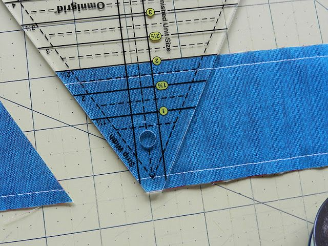 Pyramid Quilt    How to make a triangle quilt  quickly  tutorial by Molly Flanders   Oh how I wish I  39 d found these instructions before I  39 d cut out a bazillion individual triangles