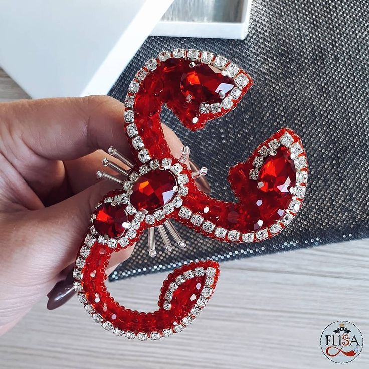Repost @fox_flisa_chita by @media.repost: Скорпион на заказ ↔️ Размер 8*6 см Стоимость 1000₽ Возможен повтор в других цветах ❤