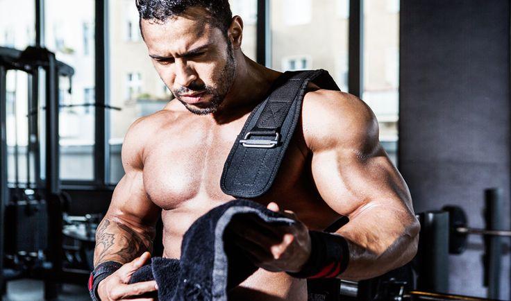 © Ralph K.Penno Photography / Germany / Berlin / #steventodd #bodybuilding #ifbb #physic #focus #fokus #train #training #motivation #trainhard #gym  #towel #muscle #muskeln #gewichte #hanteln