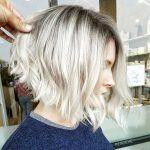 Wir haben eine wünschenswerte Frisurenidee zusammengestellt, die von Damen sehr bevorzugt wird. Abgewinkelte Bob Frisuren! Diese kurze Frisur wird Ihnen eine neue Erfahrung in einem ernsten Sinn geben, wenn Sie eine Änderung in Ihrer äußeren Erscheinung, die beste Frisur, die getan werden kann. Abgewinkelter Bob-Schnitt sieht lange Front und kurzen hinteren Haarschnitt. Und Sie können […]