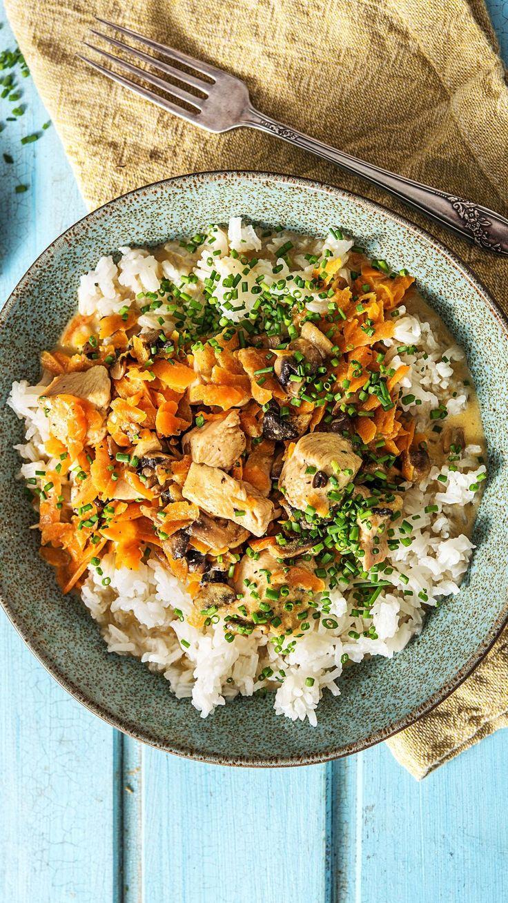 Cremiges Hühnerfrikassee mit Champignons und Reis