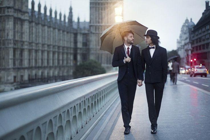 """""""Romance em Londres"""". Esta foi a foto que deu origem à série de Braden. O casal da foto é real"""