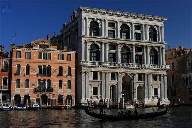 Palazzo Grimani di San Luca (right) - The palace was built in the mid-16th century for procurator Gerolamo Grimani by architect Michele Sanmicheli - Canal Grande - Venezia - Veneto - Italy