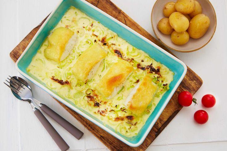 Kombinasjonen ost og fisk smaker godt. Her er oppskrift på en enkel fiskeform med torsk, purre og Jarslberg. Du kan like gjerne bruke frossen fisk som fersk fisk.
