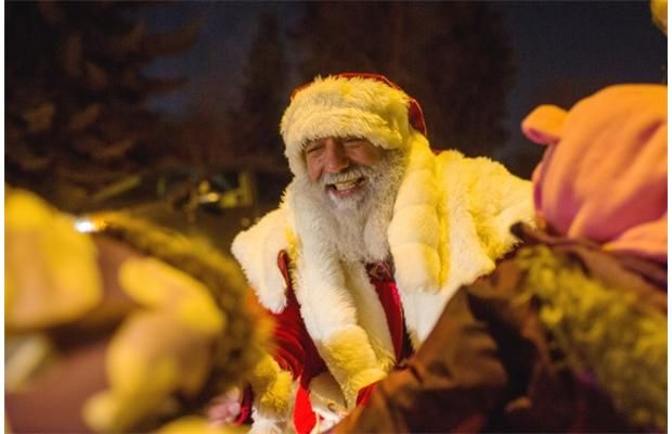 Video: A festive, photographic Christmas card from the Edmonton Journal