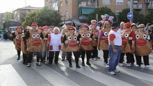 Peña Los Justos gana el Primer Premio del Desfile de Carrozas mostoles
