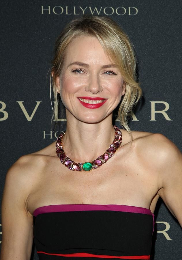 Naomi Watts rocking a multi-color bejeweled Bvlgari necklace at Bvlgari's Decades Of Glamour event | Trend 911