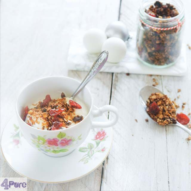 muesli met speculaaskruiden en cranberries - gingerbread granola with cranberries