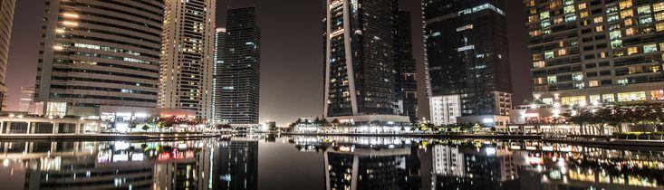 Auf dem Rückflug von meinem Auslandssemester in Istanbul habe ich noch einen kleinen Abstecher Richtung Dubai unternommen. Angezogen von den vielen und tollen Fotos Dubais musste das irgendwie sein. Besonders beeindruckend fand ich dabei Daniel Cheongs Fotos von Dubai und die von Dubai Marina. Kommt man in Dubai an, kann man schon während des Anflugs …