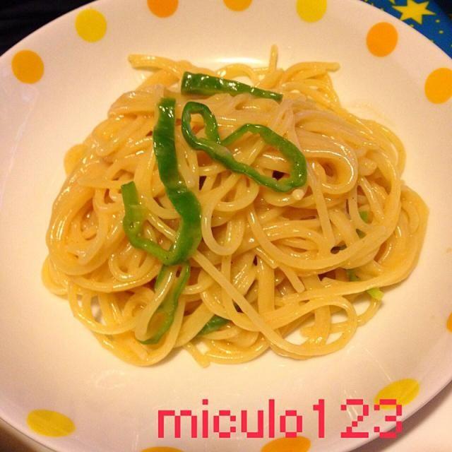 野菜がなくてなんだが彩りでピーマン入れてみたけどビミョー(~_~;) - 74件のもぐもぐ - 明太子パスタ by miculo123