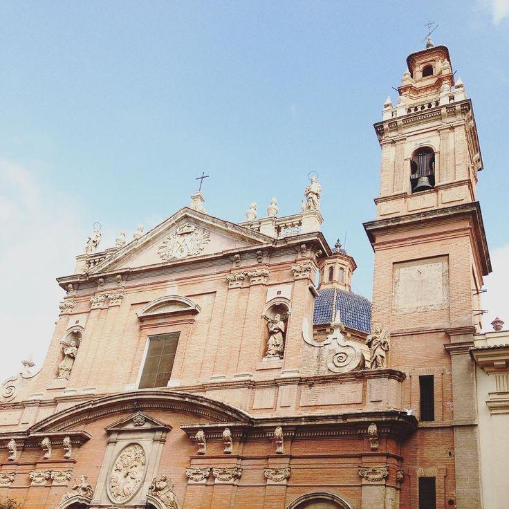 Iglesia de Santo Tomás y San Felipe Neri - this is one of the many wonderful churches you see when you walk around beautiful Valencia.