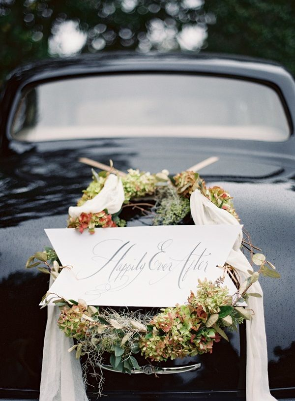 Elegant Wedding Getaway Car Wreath | photography by josevillablog.com/