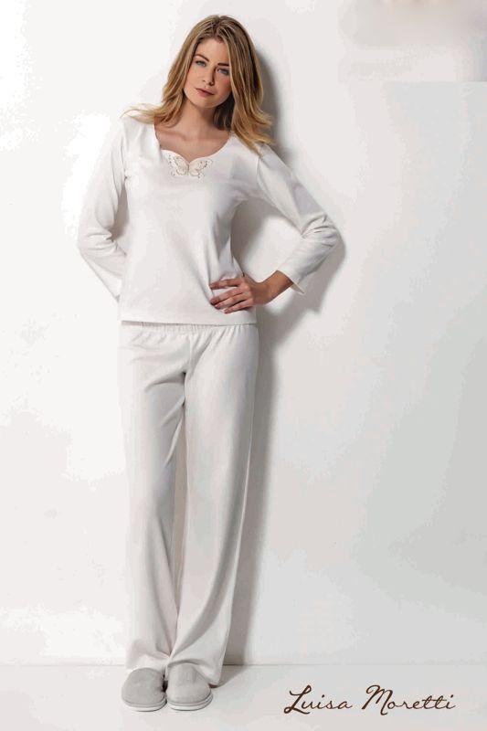 Dámské dvoudílné bambusové pyžamo SAHRA v jemné krémové barvě s elegantní výšivkou ve výsřihu.