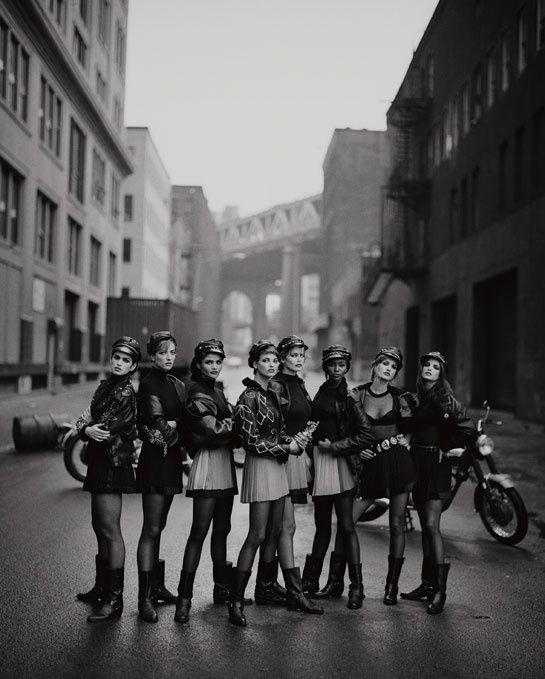 """Le livre """"Peter Lindbergh 100 Photos pour la Liberté de la Presse"""" pour Reporters Sans Frontières"""