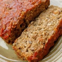 Healthy Weight Watchers Meatloaf Recipe – 6 SmartPoints http://eatdojo.com/easy-healthy-meatloaf-recipes-beef-turkey-veggies/