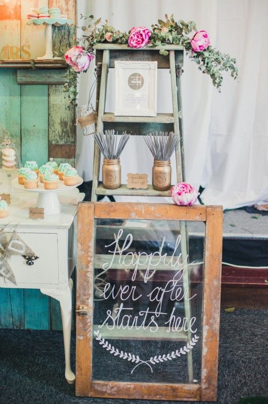 Vintage wedding sign by Anna's Perfect Parties