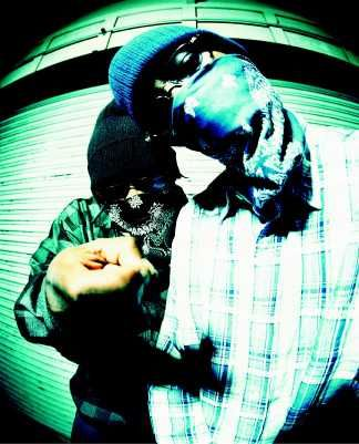 Kurupt Young Gotti, right (W/S Rollin 60s NHC) and Snoop Dogg's cousin Daz Dillinger (E/S Rollin 20s LBC   19th St. set). #dpg #dpgc