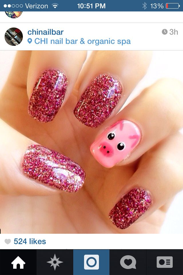 Piggy nails! I love them!! We need a chai nail bar here