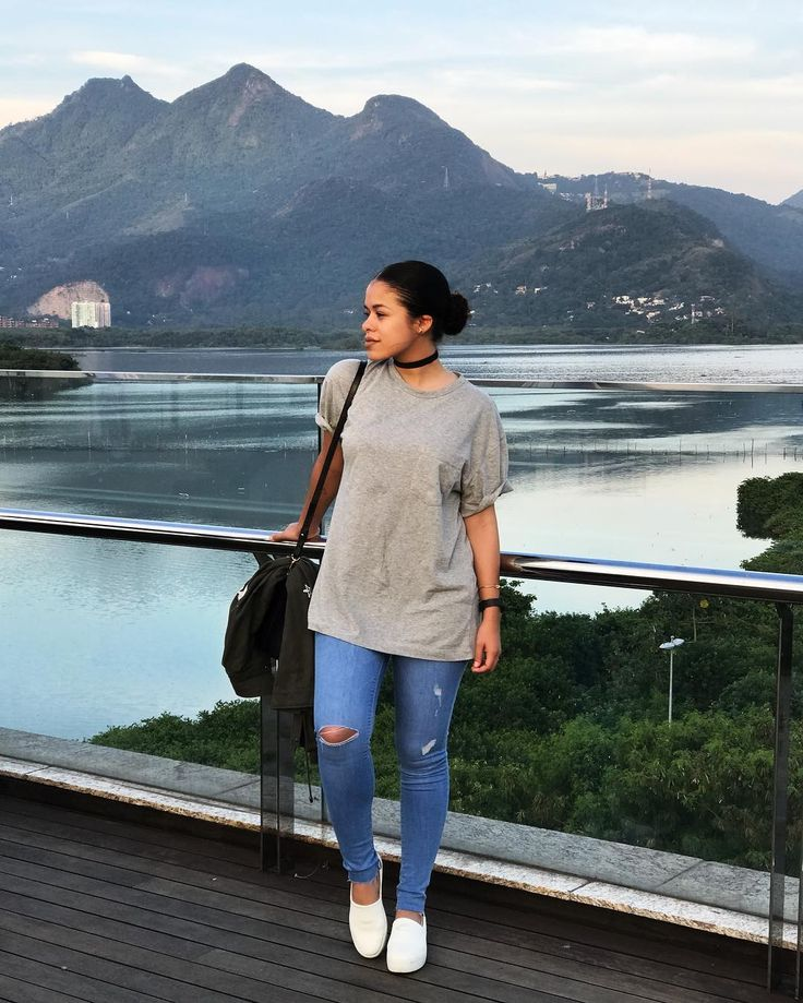 O Rio de Janeiro continua lindo! ☀️ (tem que rolar essa legenda pra uma paisagem dessa! ) #intimasdaray