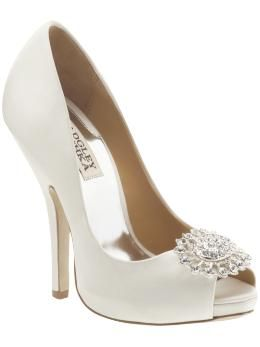 ..: White Pumps, White Shoes, Gifts Cards, Wedding Shoes, Wedding Heels, Bride Shoes, High Heels, Badgley Mischka, Bridal Shoes