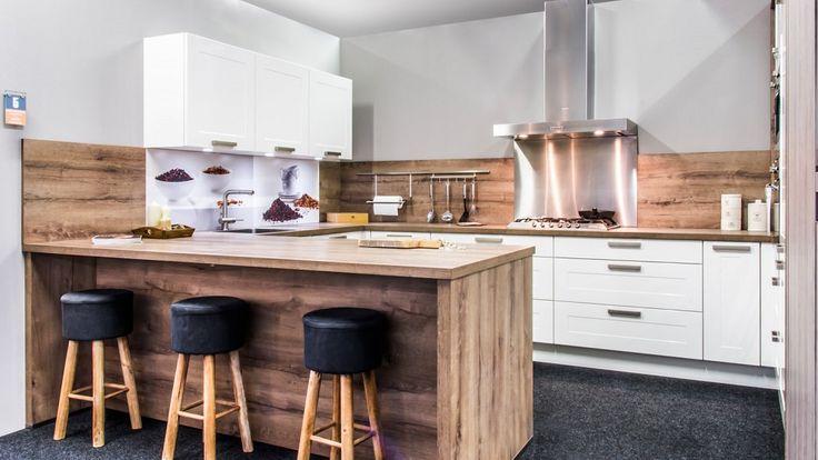 Keukenloods.nl - Sigma Hoogglans Lak. Witte keuken met hout gekleurde ...