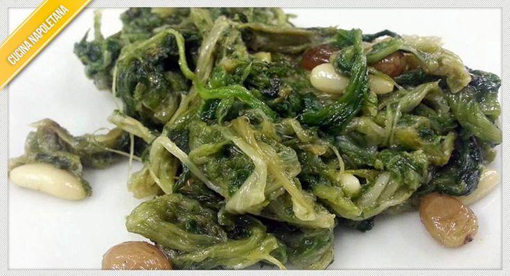 Variante delle scarole classiche, la ricetta delle scarole in agrodolce danno un tocco di sapore in più ad un piatto tradizionale della cucina napoletana.