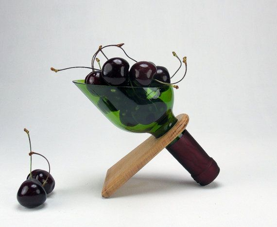 #Winebottletray #GreenWineBottle #Appetizerplate #DipBowl #Homeandliving #Kitchenstorage #Kitchendecor #weddinggift #winelover