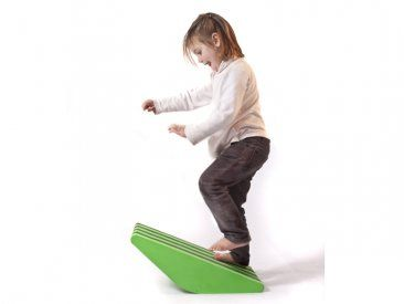 Promotes motor skills and balance. When having straight sides, provides two stable positions, and one of instability.  #toys #motor skills