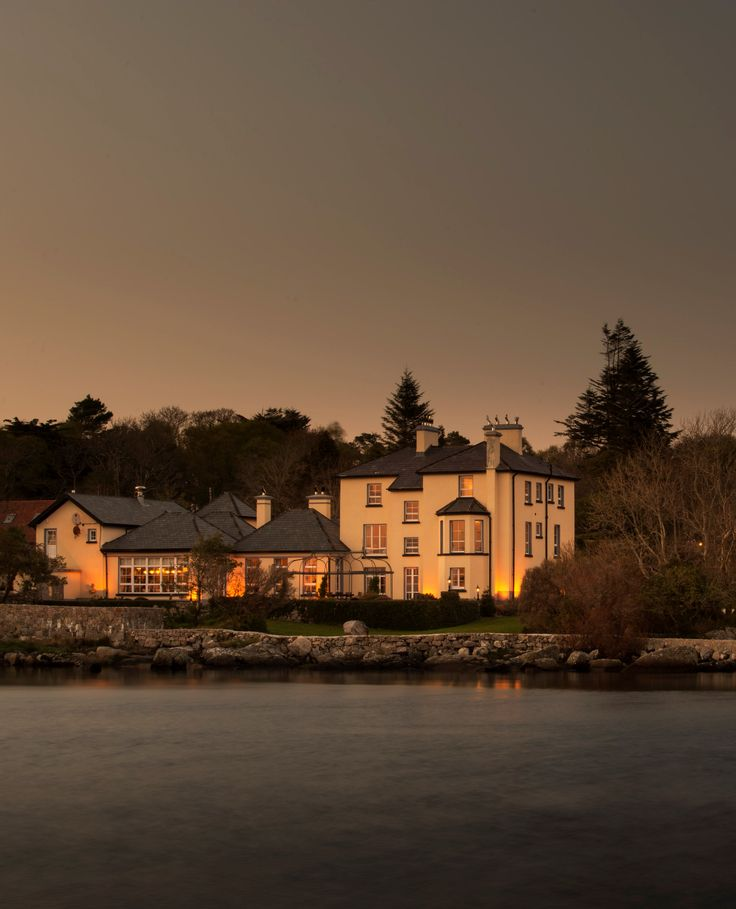Screebe House overlooks Camus Bay.......what a way to spend an Irish Holiday!