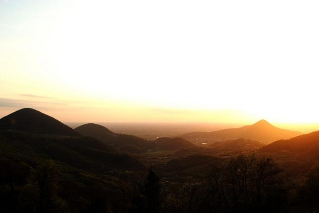 Tramonto nel parco regionale dei colli euganei
