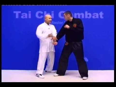 Тайчи боевое применение Мастер Майкл Вонг - YouTube