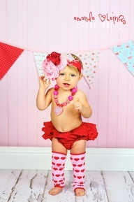Valentines Day Bloomers and leggings SET - CAKE SMASH, Photos or First Birthday Party. $24.99, via Etsy.