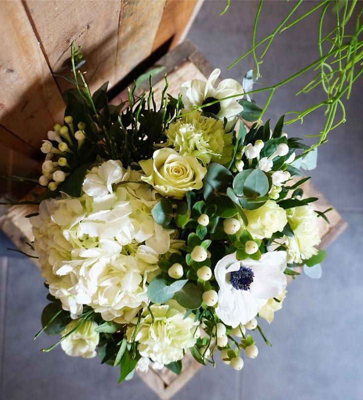 Le Naturel Fleuriste & Créateur vous compose une création sur mesure à partir de 46€  en livraison autour de Vannes. Découvrez toutes ses créations et commandez directement sur https://www.coleebree.com/vannes/le-naturel-fleuriste-createur/bouquet-sur-mesure
