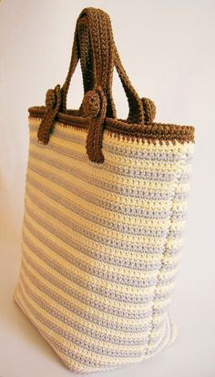 Crochet pattern for striped bag with two sets of handles. DIY in one main piece…