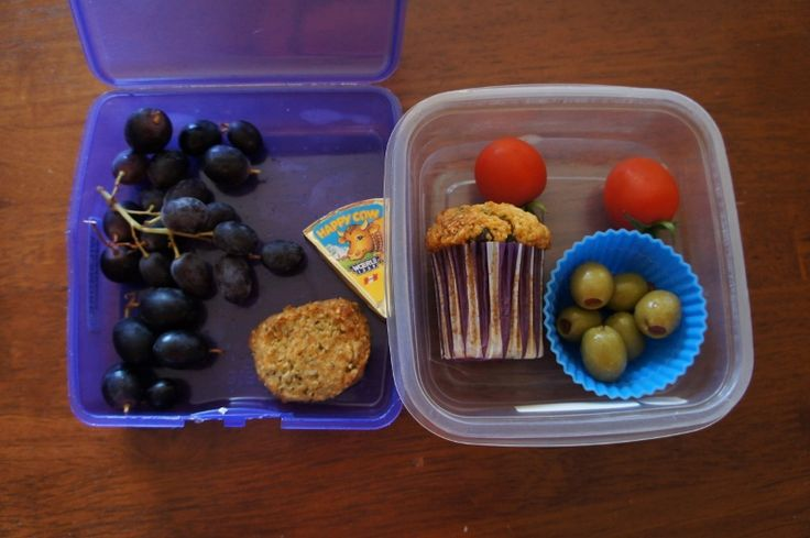 Tuesday 10 March 2015 // Morning tea: grapes, cheese and seed cracker, Happy Cow cheese // Lunch: Possum had a tuna, lettuce and mayo wrap and Angel had lasagne from the tuckshop, tomatoes, olives, pumpkin choc chip muffin
