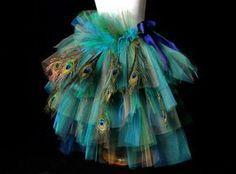 pfau-kostüm-damen-selber-machen-rock-federn-tüll-karnevalskostüm-idee