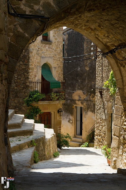 Madremanya  Empordà (conjunt Medieval) with balcony