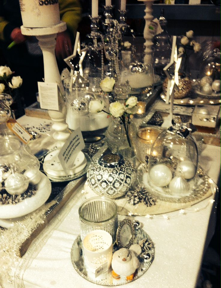 Winter Wonderland - Christmas table decorations @ Intratuin IJsselstein #pintratuin #DIY