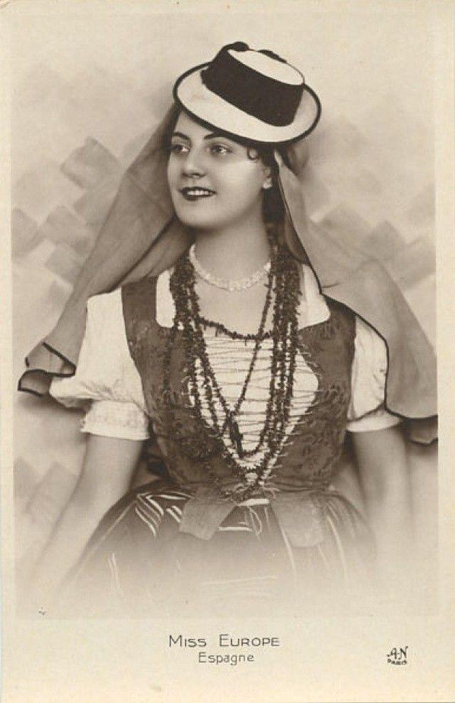 Ретрокрасавицы с конкурса «Мисс Европа — 1930» 18. Мисс Испания Елена Пла Момпо.