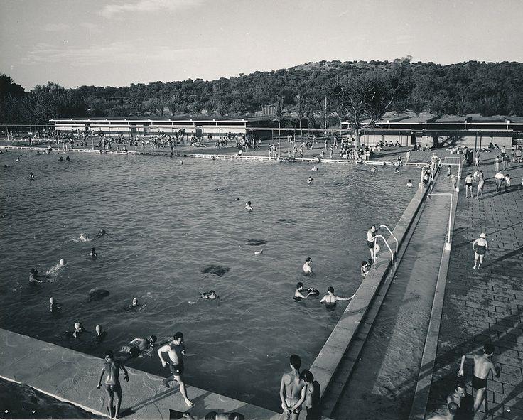 Parque sindical piscina madrid por biblioteca for Piscina sindical zamora