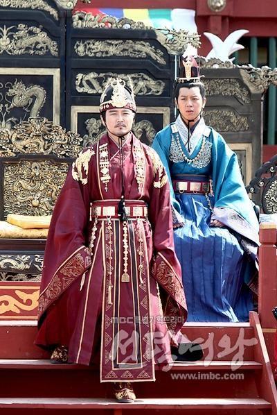 """""""The Great Queen Seon Deok"""" photo"""